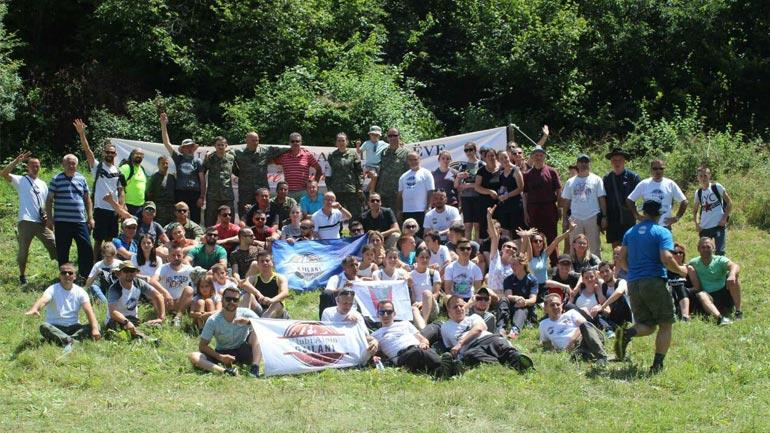 """Mbi 300 bashkatdhetarë të Gjilanit i bashkohen """"Ecjes së alpinistëve"""""""