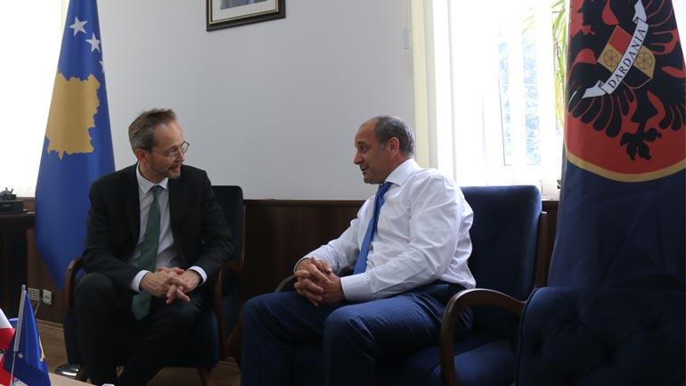 Austria të vazhdojë mbështetjen për Kosovën gjatë Presidencës së BE-së
