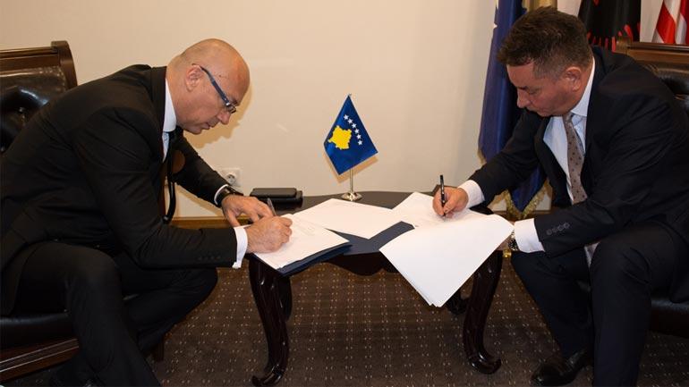Lekaj e Rakic nënshkruajnë marrëveshje për dy projekte për Mitrovicën e Veriut