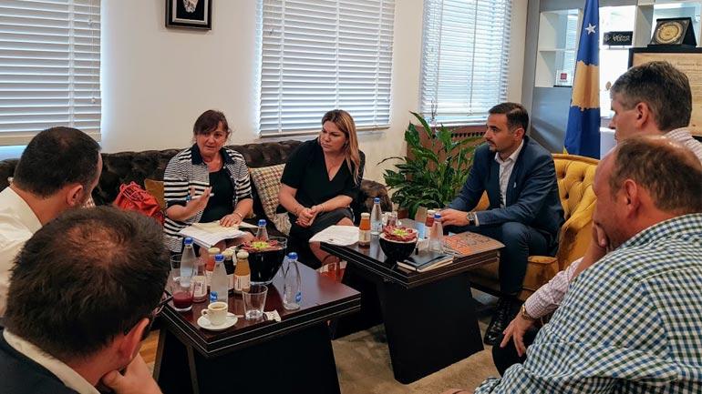 Kosova dhe Shqipëria diskutojnë përshpejtimin e hapave për heqjen e roamingut