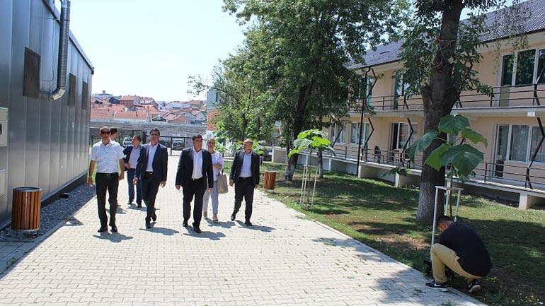 Gjilani ka bërë të gjitha përgatitjet për fillimin e mbarë të vitit shkollor, mësimi zhvillohet në katër gjuhë