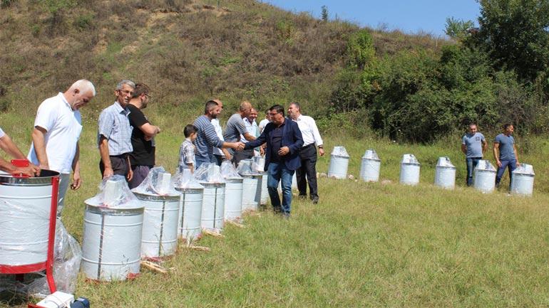 Komuna e Gjilanit subvencionon bletarët me 30 centrifuga elektrike