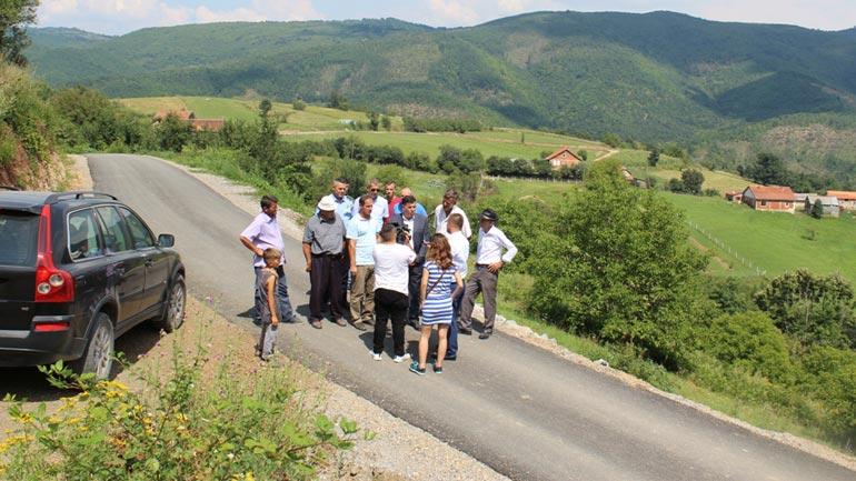 Haziri vlerëson se asfaltimi i rrugëve në Grykën e Karadakut ka kthyer shpresat për banorët atje