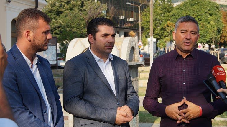 Ministrat Hasani dhe Klosi dakordohen për agjendë të përbashkët të turizmit mes Kosovës dhe Shqipërisë