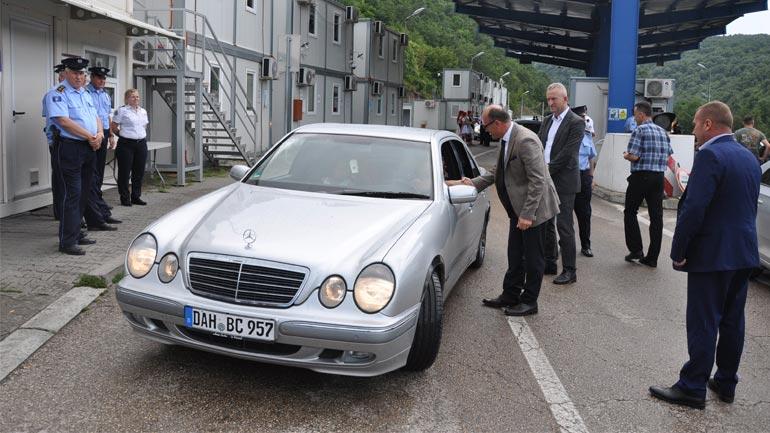 Ministri Gashi pas Gjilanit vizitoi edhe pikë-kalimin kufitar Dheu i Bardhë
