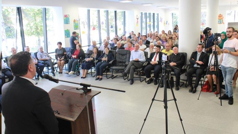 Biblioteka e Gjilanit shënoi 80 vjetorin e themelimit të saj