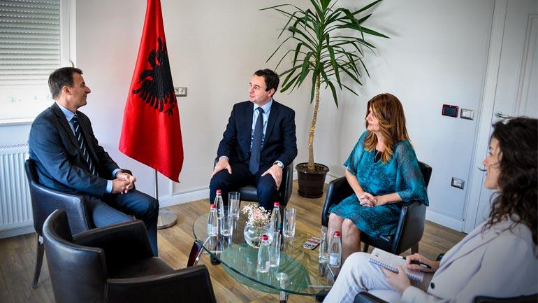 Drejtues të Vetëvendosjes presin në takim ambasadorin e Sllovenisë