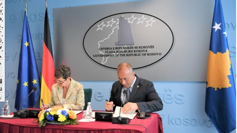 """Nënshkruhet Memorandum Mirëkuptimi në fushën e arsimit me organizatën gjermane """"Education Unlimited a.V""""c"""
