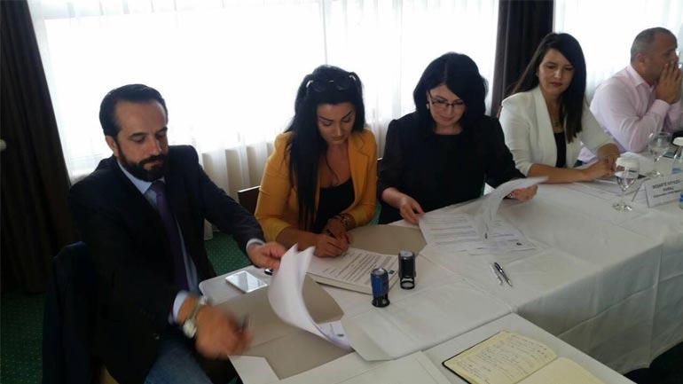 Qendra Rinore nënshkruan memorandum bashkëfinancimi me të cilën pritën të punësohen disa të rinj vitias