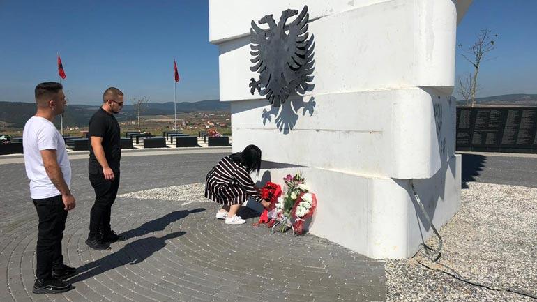 RDK-ja bënë homazhe te Varrezat e Dëshmorëve