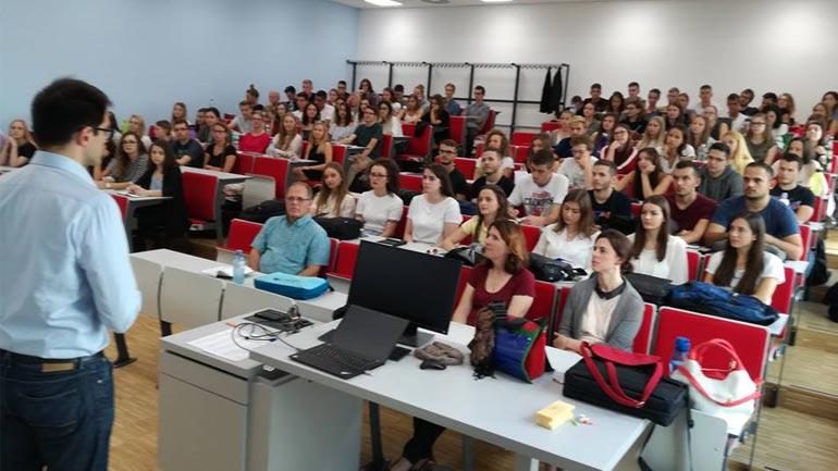 Studentë të UKZ-së bashkë me Dekanin e FSHK-së po qëndrojnë në Graz të Austrisë në kuadër të projektit REBUS