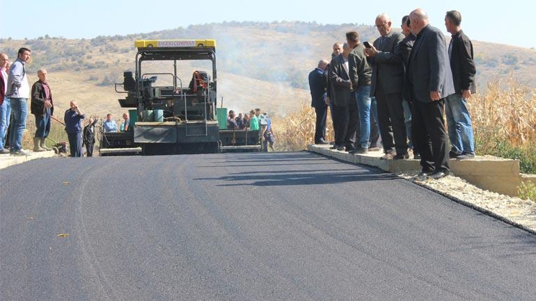 Filluan punimet në asfaltimin e rrugës Gjylekar-Mogillë