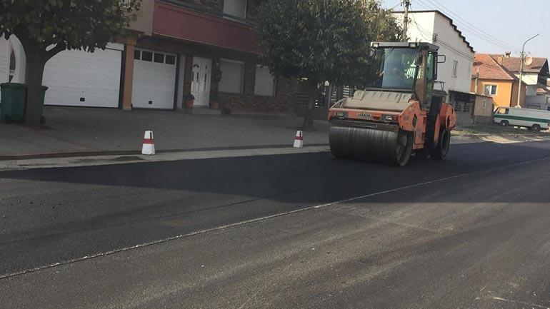 Nis asfaltimi i rrugës kryesore në Kamenicë