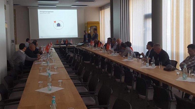 Kryetari i Vitisë po merr pjesë në një vizitë studimore në Gjermani