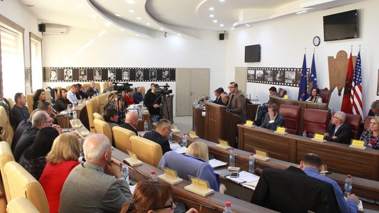 Maliqi thotë se Gjilani është ndër komunat më të mira për transparencë financiare
