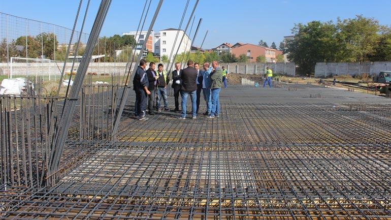 Ismajli: Punimet në rindërtimin e stadiumit po vazhdojnë me dinamikë të madhe