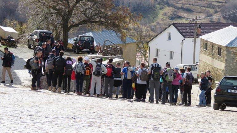 Alpinistët vizitojnë parkun natyror Korab-Koritnik
