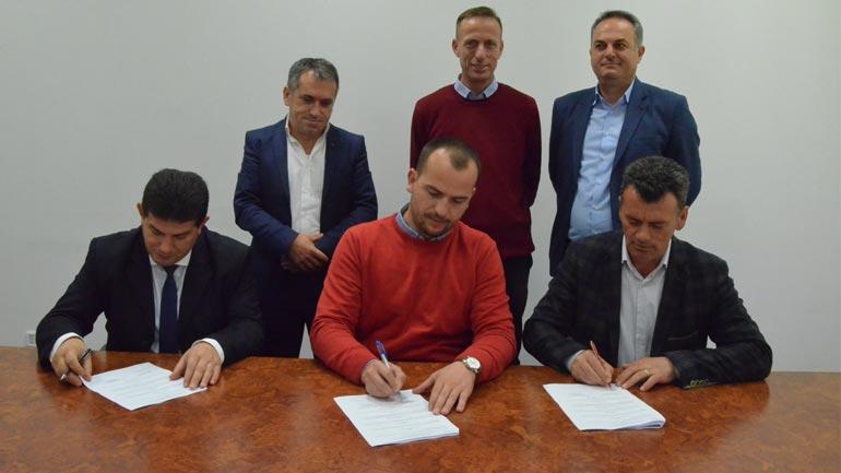 Nënshkruhet marrëveshja për menaxhimin e sistemit të ujësjellësit në Shipashnicë