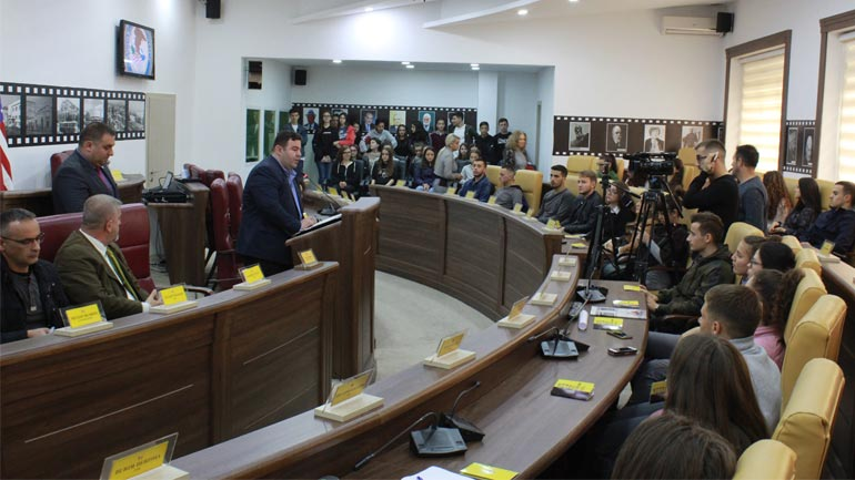 Gjilani organizon kampanjë me të rinjtë kundër trafikimit të qenieve njerëzore