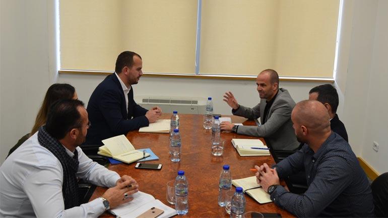 Në Kamenicë do të realizohet projekti në fushën e administrimit të tokave