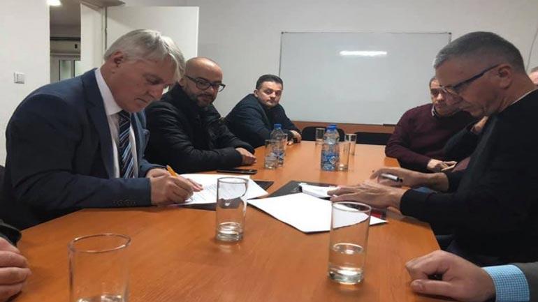 U nënshkrua marrëveshja për udhëheqjen e Këshillit Kombëtar Shqiptar