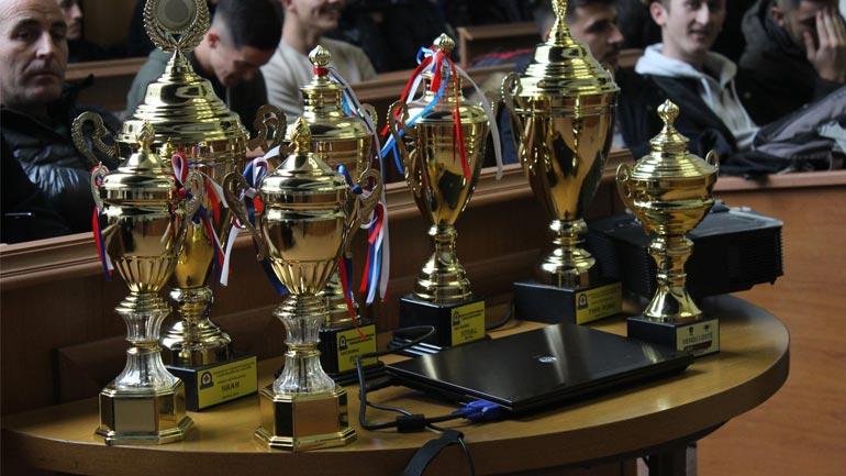 """Nxënësit e Gjimnazit """"Kuvendi Lezhës"""" të parët në shah e pingpong në nivel vendi"""