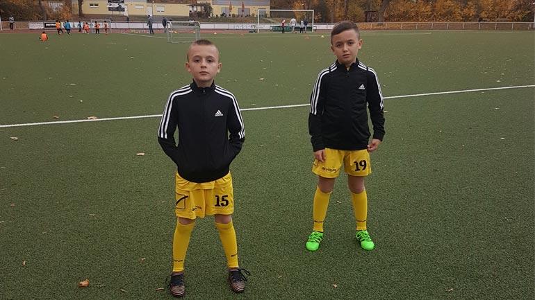 Vëllezërit kosovar mahnitën stafin e Dortmundit, kalojnë fazën testuese
