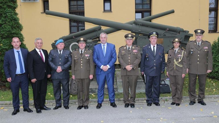Ministri Rrustem Berisha vizitoi kadetët e FSK-së në Akademinë Ushtarake në Kroaci