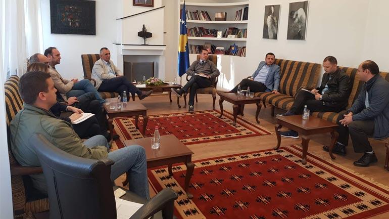 Ministri Gashi përkrahë iniciativën nga mediat për të qenë pjesë e ligjit të sponsorizimit