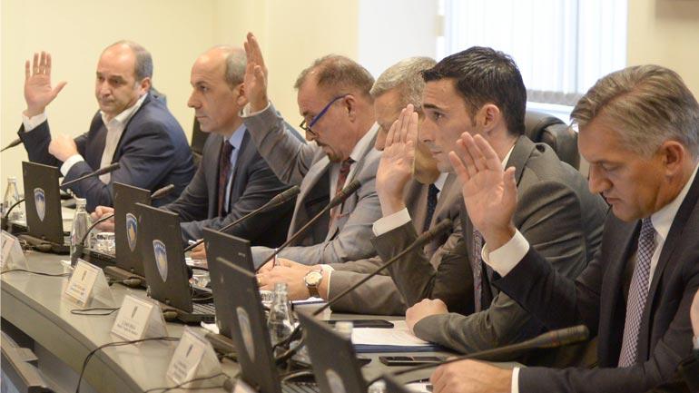 Ministri Shala iu vë masë të gjitha produkteve nga Serbia dhe Bosnja e Hercegovina