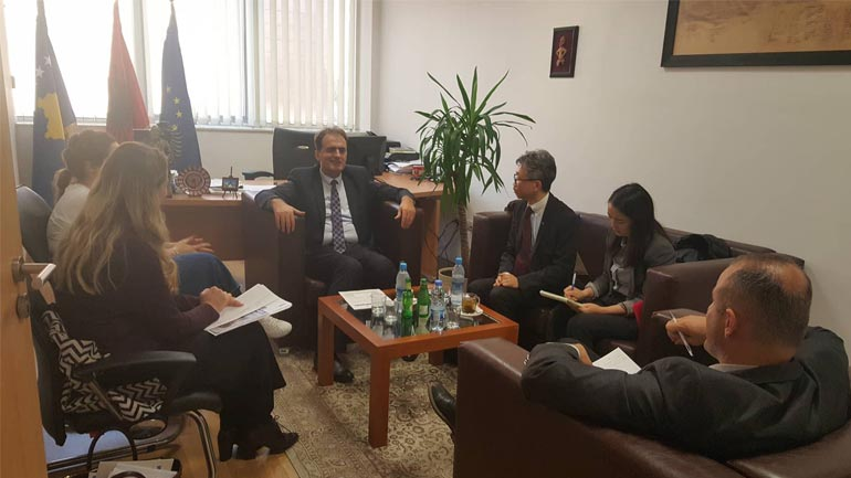 Zëvendësministri Zeka priti në takim përfaqësuesit e UNSCAR dhe UNDP-së