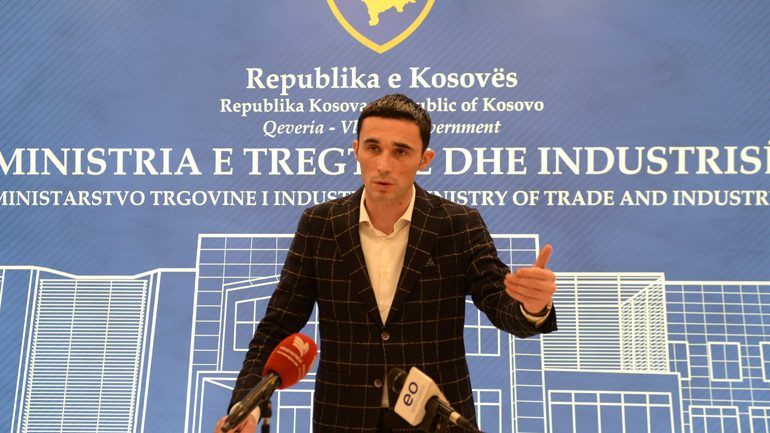 Qëndrimi i ministrit Shala në lidhje meçmimin e naftës në Kosovë