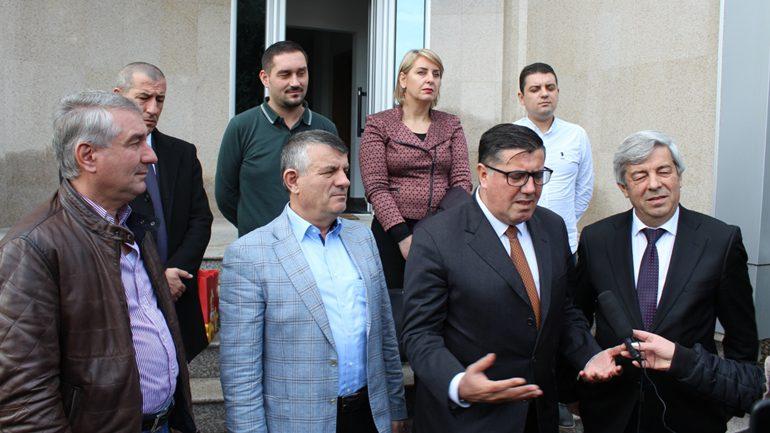 """Haziri e vlerëson """"Fluidin"""" si perandori të suksesshme të prodhimit në Kosovë"""