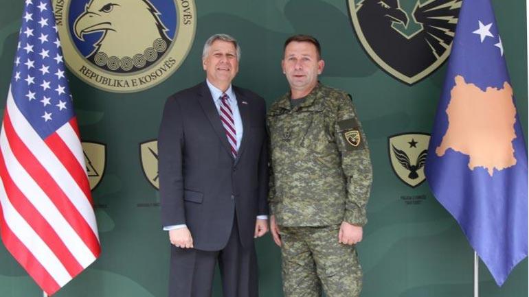 Komandanti i FSK-së priti ambasadorin e ri të SHBA-ve