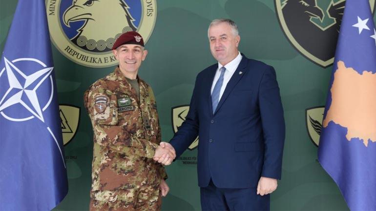 Ministri Rrustem Berisha, ka pritur sot komandantin e ri të KFOR-it, gjeneralin Frances Lorenzo D'Addario
