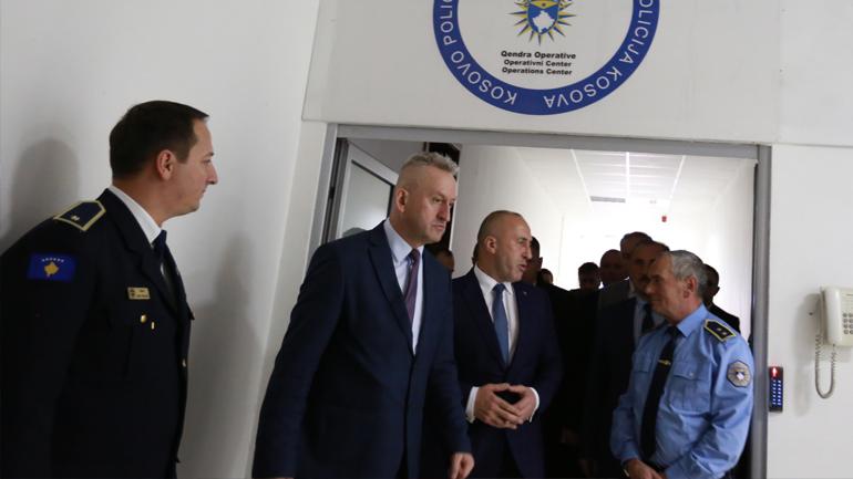 Kryeministri i Republikës së Kosovës në prag të Vitit të Ri vizitoi Policinë e Kosovës