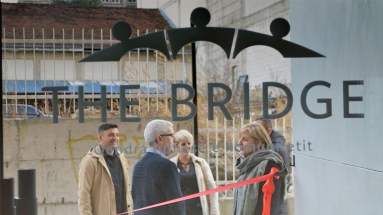 """Në Gjilan hapet qendra për promovimin e vlerave """"The Bridge"""""""