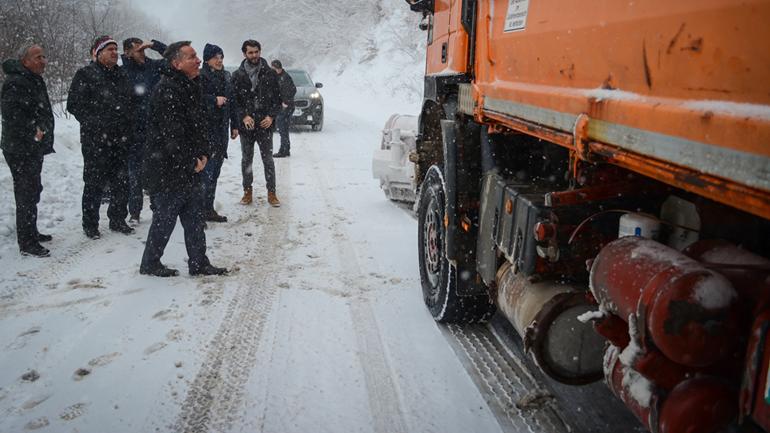 Ministri Lekaj në teren me kompanitë e pastrimit të rrugëve