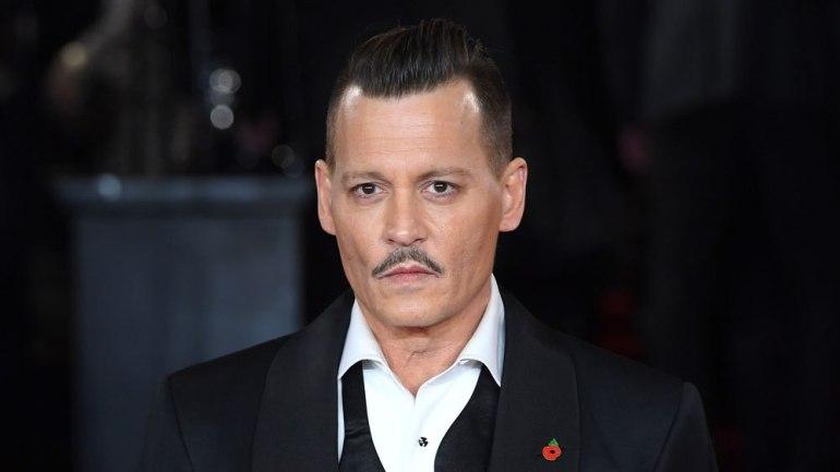 Johnny Depp me film të ri, mbërrin në Beograd