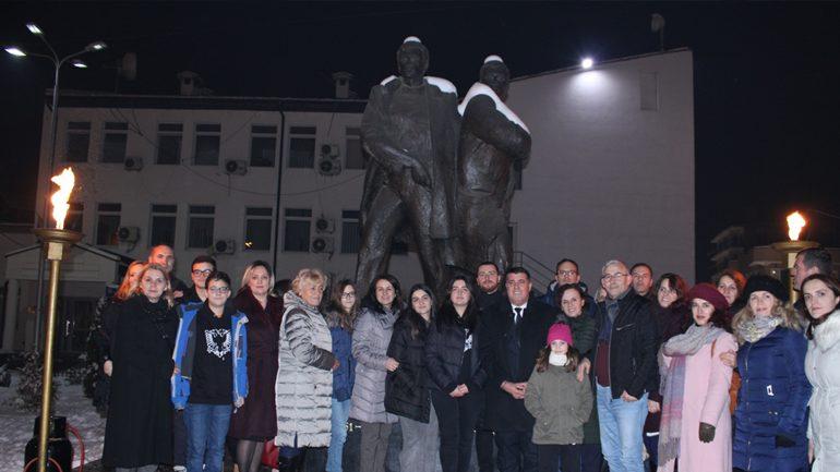 Haziri: Rexhep Mala e Nuhi Berisha ndezën shkëndijat e dritës që asnjëherë nuk u shuan