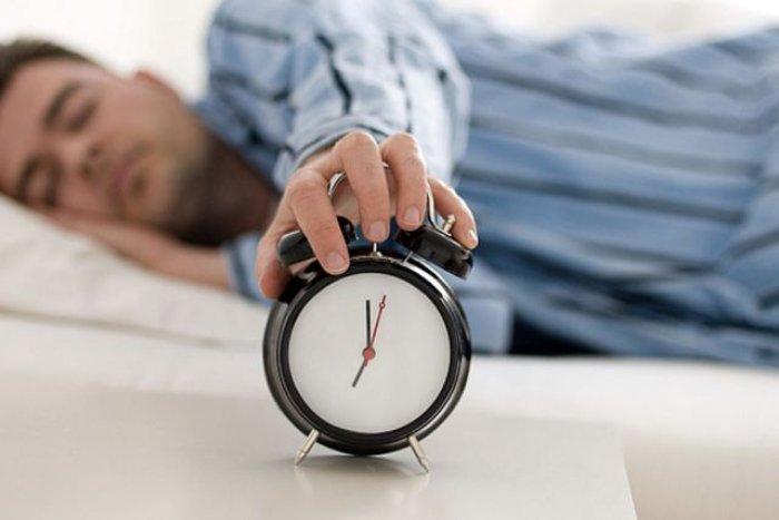 Këshilla të arta se si të zgjoheni më herët
