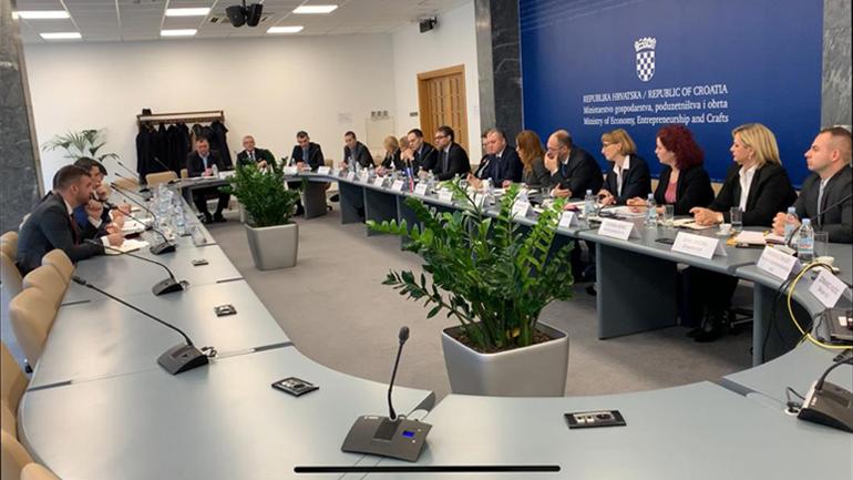 Ministri Shala i fton kompanitë kroate të investojnë në Kosovë!