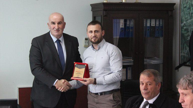 Kryetari Haliti falënderon drejtorin e deritanishëm të DBZHR-së, Veton Ademi
