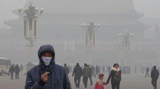 Ndotje e madhe në Tajlandë, vendi ku maskat e fytyrës shiten