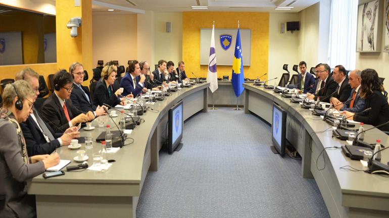 Ministri Hamza pret në takim Bordin e Drejtorëve të BERZH-it
