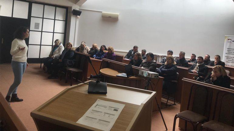 Në Viti u mbajt sesioni informues për promovimin e projektit të Bimëve Mjekësore Aromatike