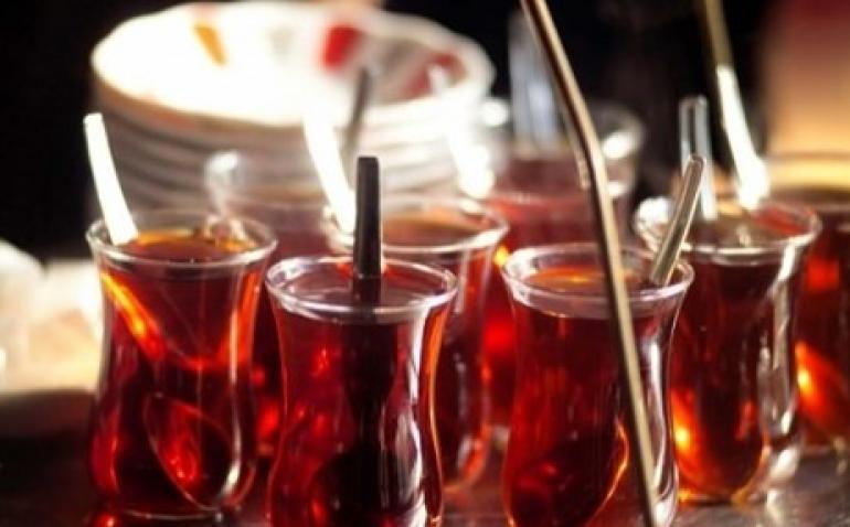 Historia e çajit të zi, pse e quajmë  'Çaj i Rusit'