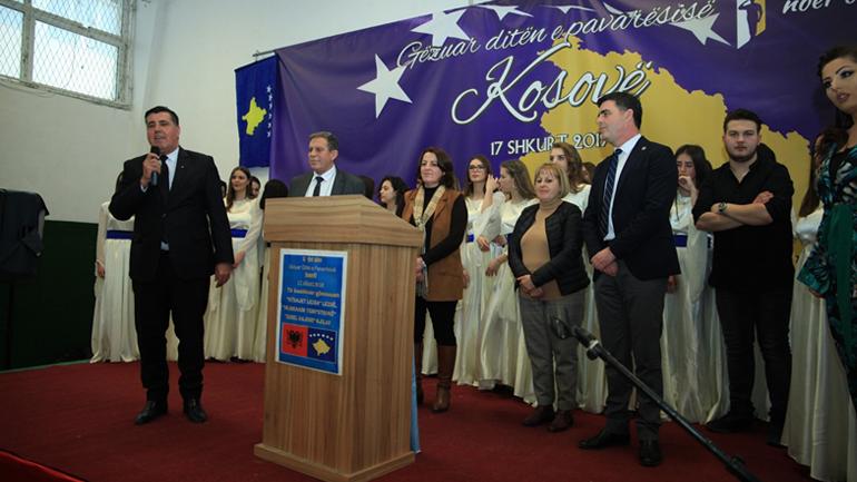 Gjilani bënë bashkë gjimnazin e Lezhës dhe Gostivarit, Lutfi Haziri thotë se ky është bashkim kombëtar