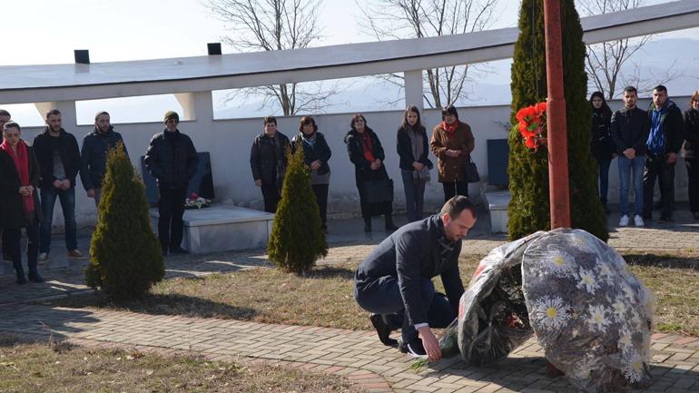 Krerët e komunës, nderojnë ata që dhanë jetën për liri