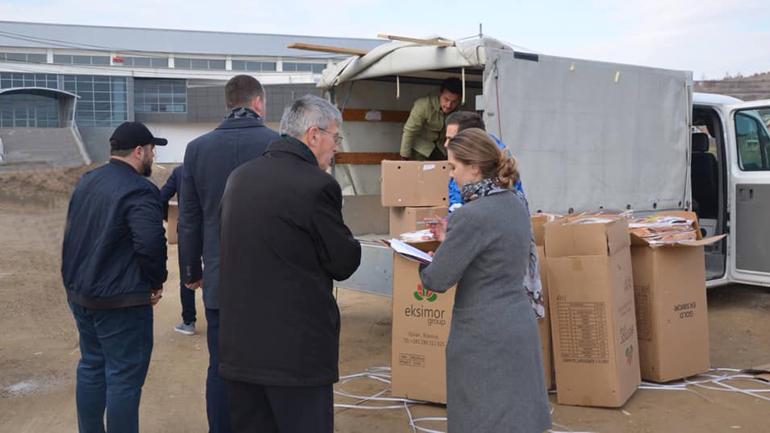 Shpërndahen pako ushqimore dhe batanije për familje në nevojë